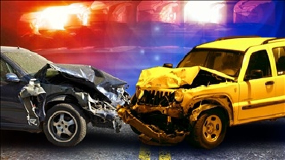 2-car accident leave 2 people with minor injuries in East El Paso | KFOX